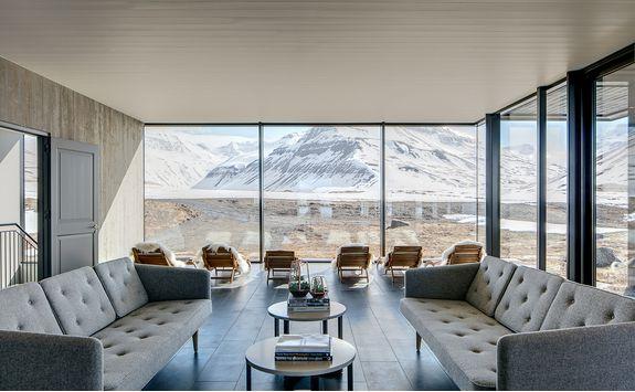 deplar farm lounge views