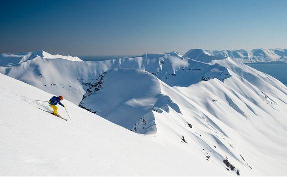 deplar farm skiing mountain top view