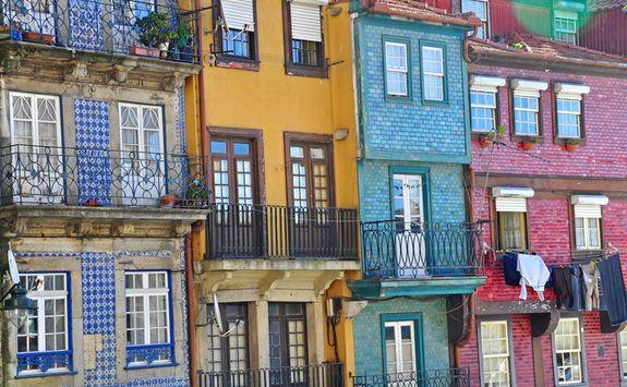 Colourfull houses in Porto
