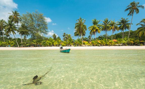 sun beach boat