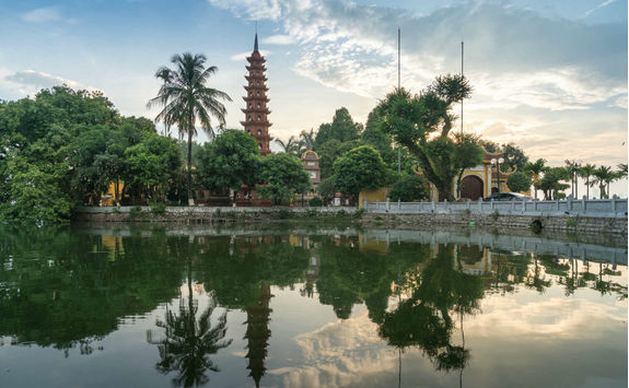 Tran quoc pagoda during sunset