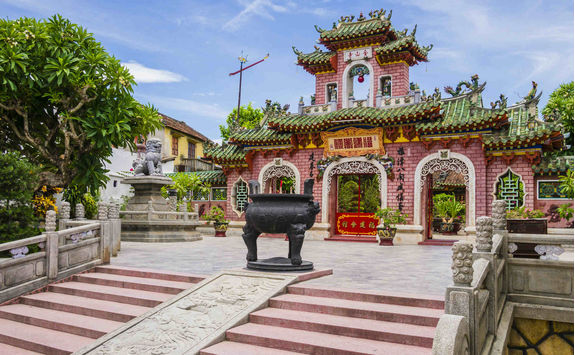 Gate of Phuc Kien Assembly Hall in Hoi An