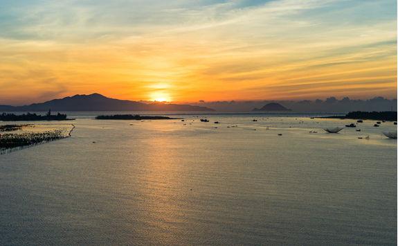 Sunrise at Cuadai beach in Hoi An