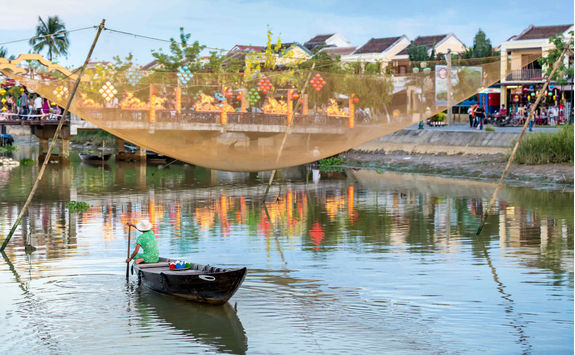 Fisherman on Thu Bon river in Hoi An