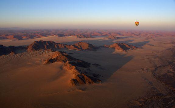 balloning namib desert