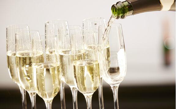 Glasses full of champagne