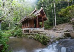 Mae Kampong wooden church