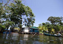tortuguero village