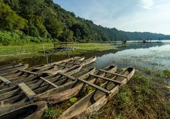 traditional boat park at tamblingan lake