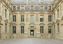 Architecture in the Marais