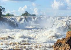 Khone Phapeng Waterfalls