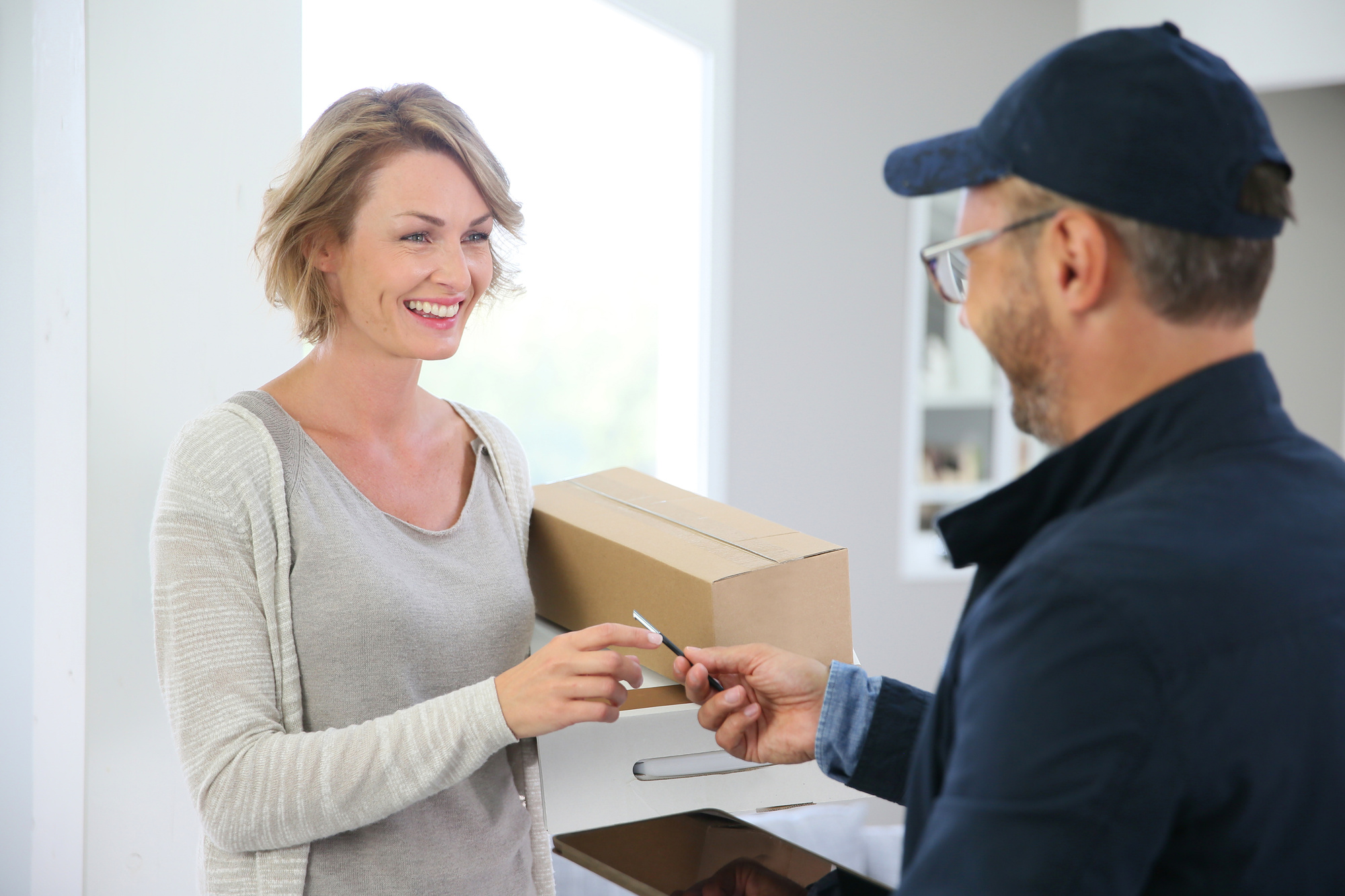 epacket countries woman recieving package