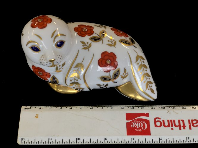 Royal Crown Derby English Bone China Hand Painted Seal 22 Carat Gold Accent