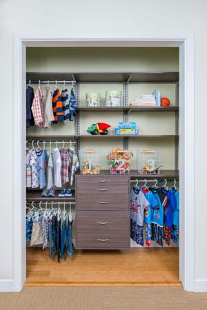Driftwood-Live-freedomRail-kids-reach-in-closet