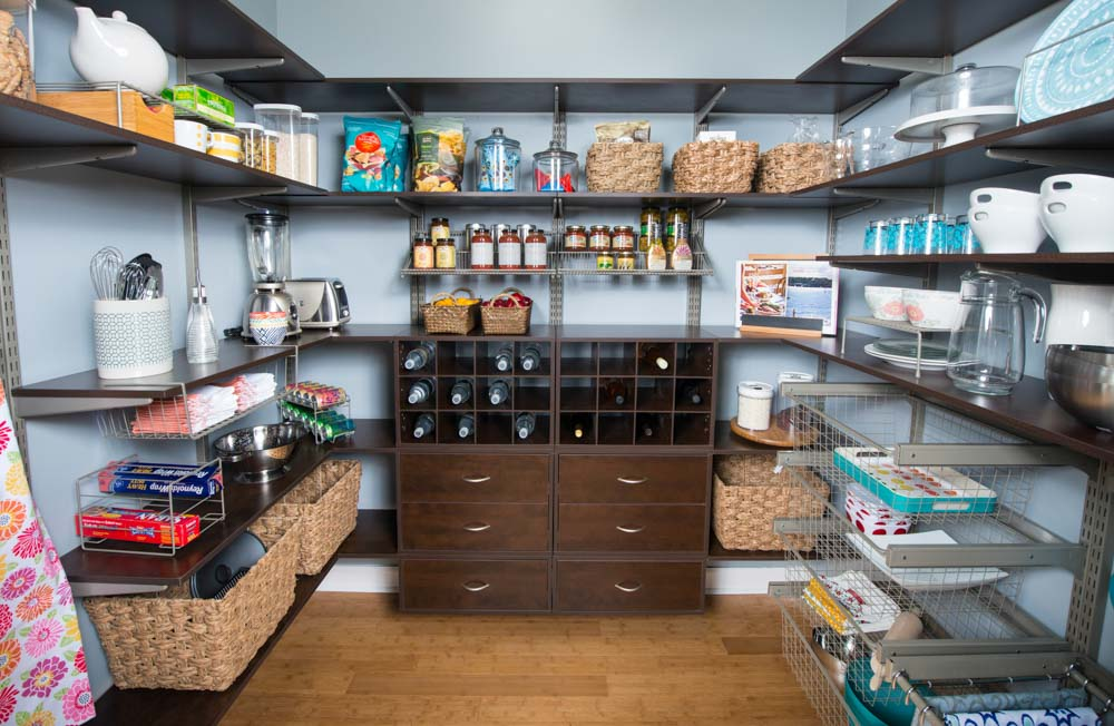 Chocolate-pear-freedomRail-walk-in-pantry-with-open-shelving-and-OBoxes