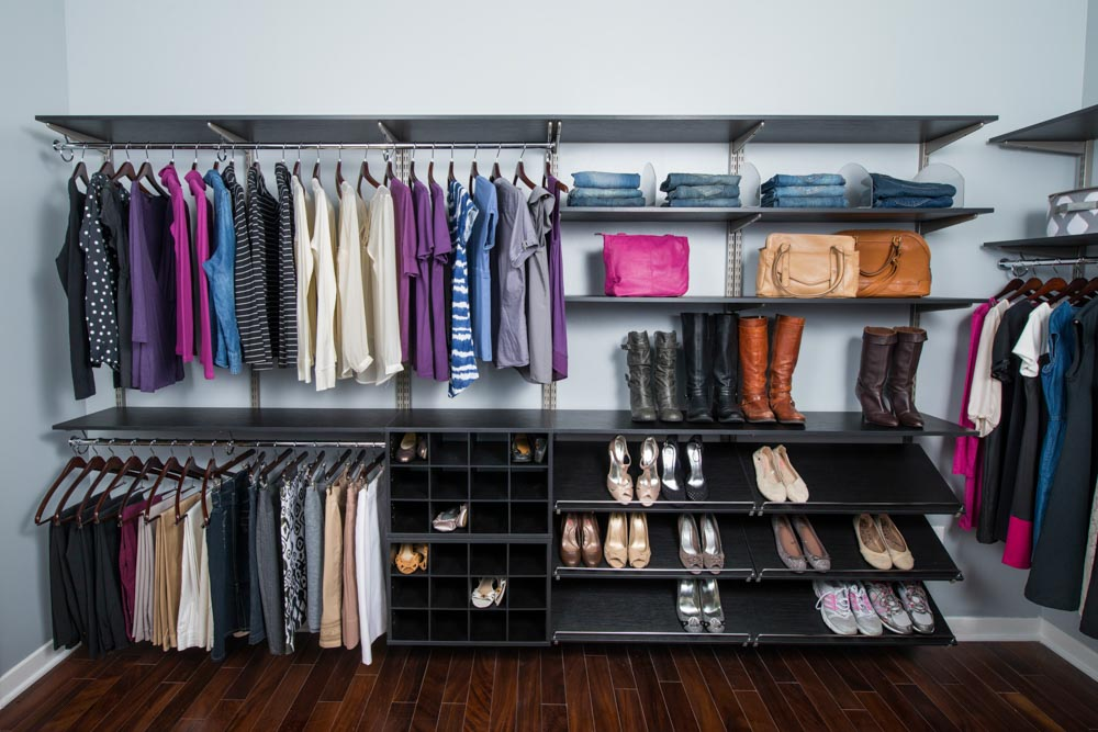Midnight-Live-freedomRail-walk-in-closet-with-double-hanging-rods-and-shoe-storage