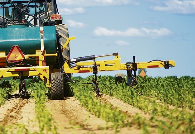 LES PECTICIDES : Québec aidera les cultivateurs à réduire leur usage
