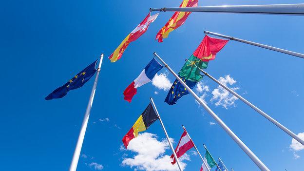 LES CANADIENS POURRONT VOYAGER EN EUROPE MAIS PAS LES AMÉRICAINS