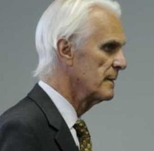 Événement inattendu et rare au code criminel du Québec un ex-juge qui purgeait une peine de prison à vie est libéré sous caution en attendant son procès