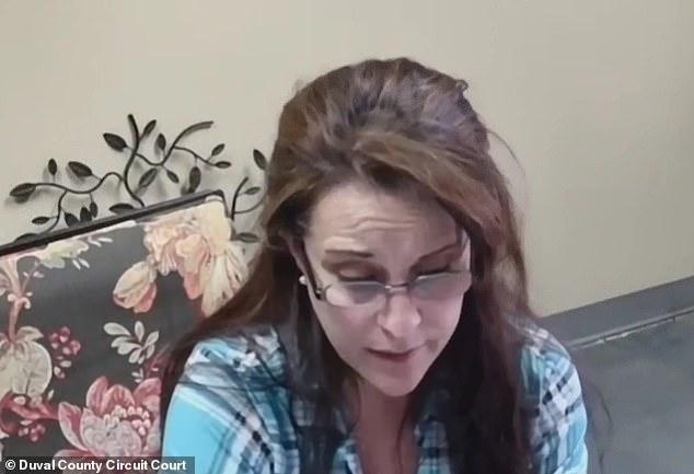 Floride :  30 jours de prison pour une dame qui a toussé intentionnellement sur un patient pendant la pandémie