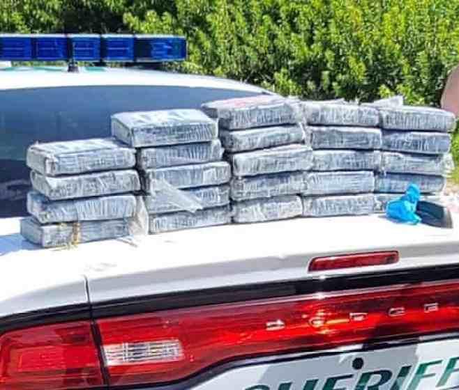 De mystérieux colis échoués sur le rivage de Cap Canaveral se révèlent être de la cocaïne rien de surprenant en Floride !