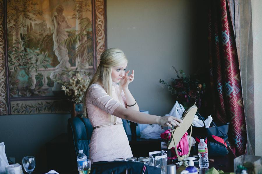 bridesmaid-getting-ready-texas-wedding