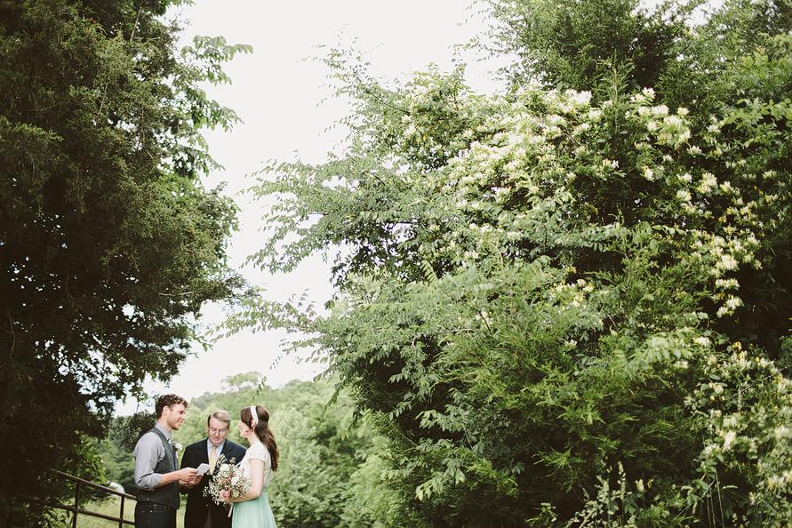 outdoor-elopement-jordan-caitlin