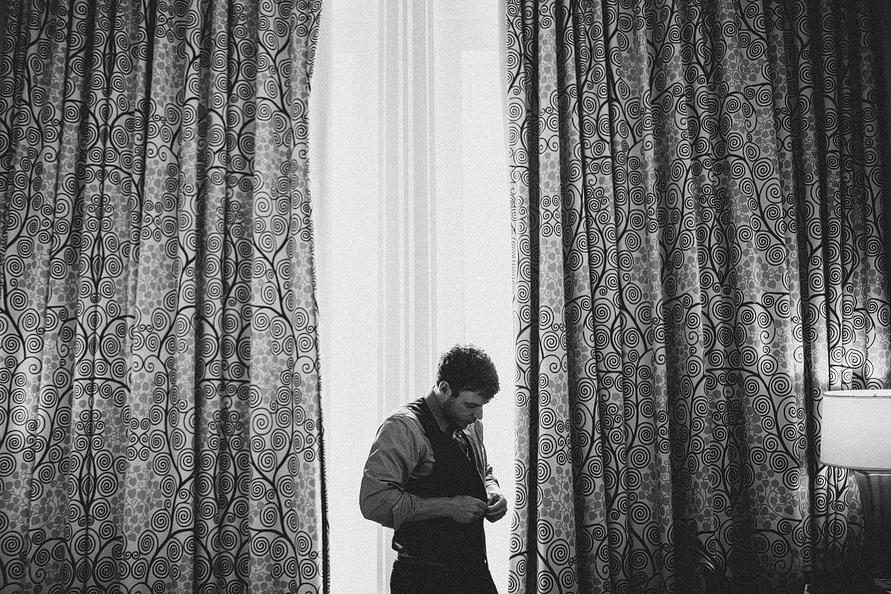 groom-getting-ready-nashville-elope