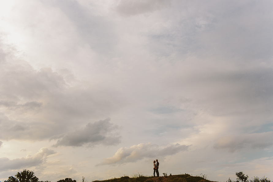 couple-on-mountain-sunset