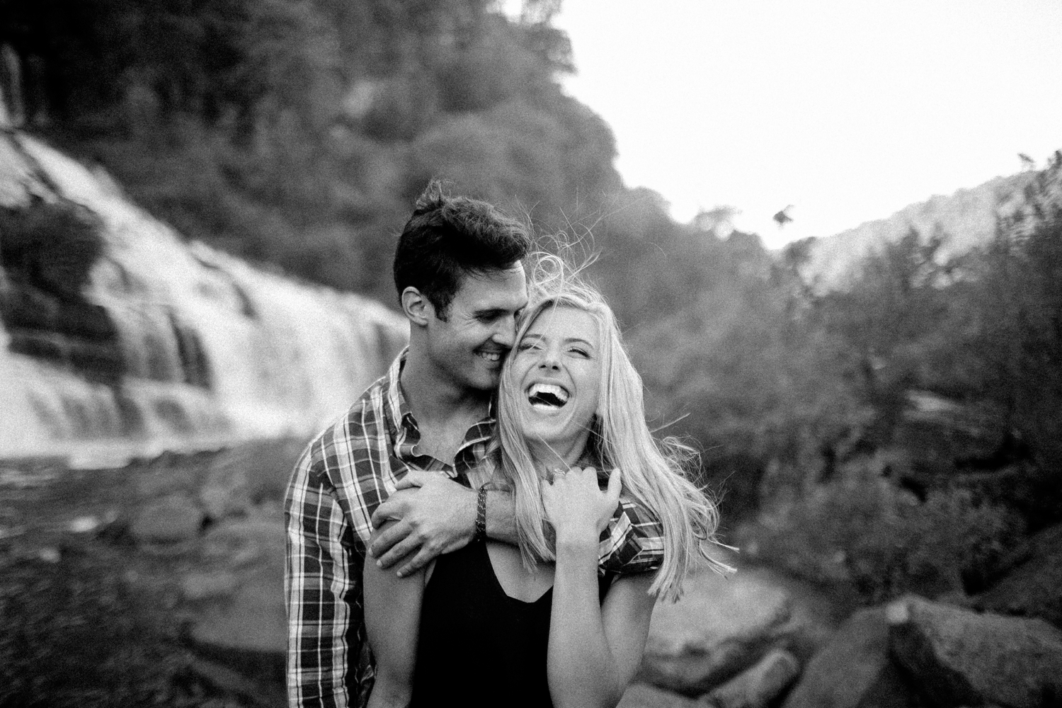 laughing-couple-in-love