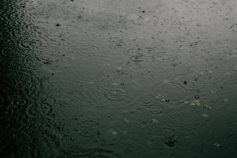 rainy-wedding-pictures-008
