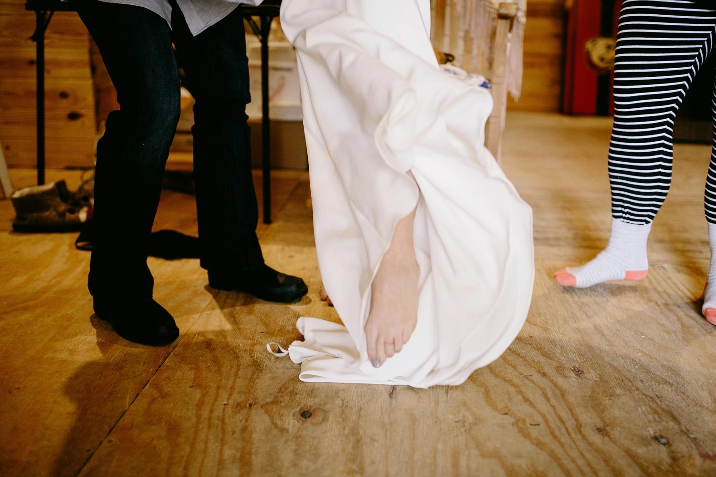 rainy-wedding-pictures-019