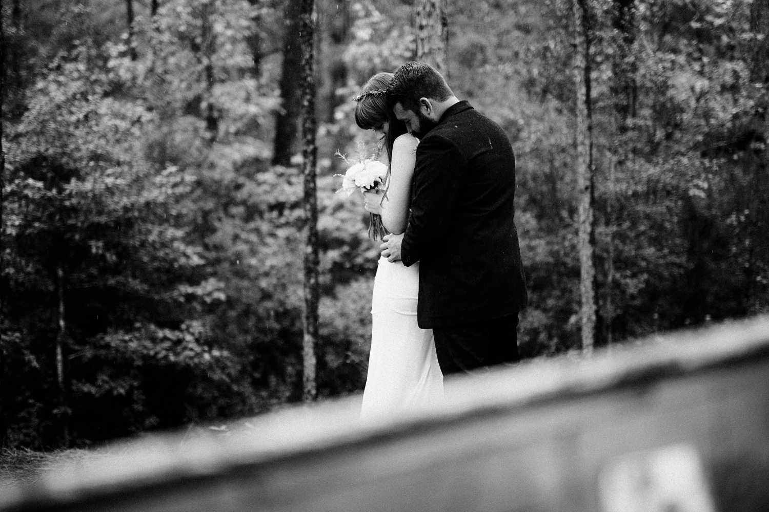 rainy-wedding-pictures-036