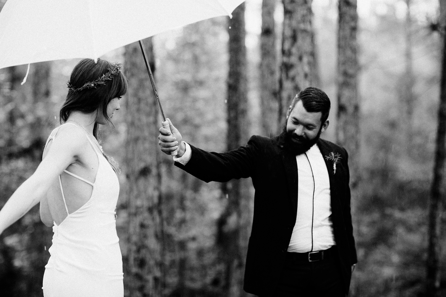rainy-wedding-pictures-039