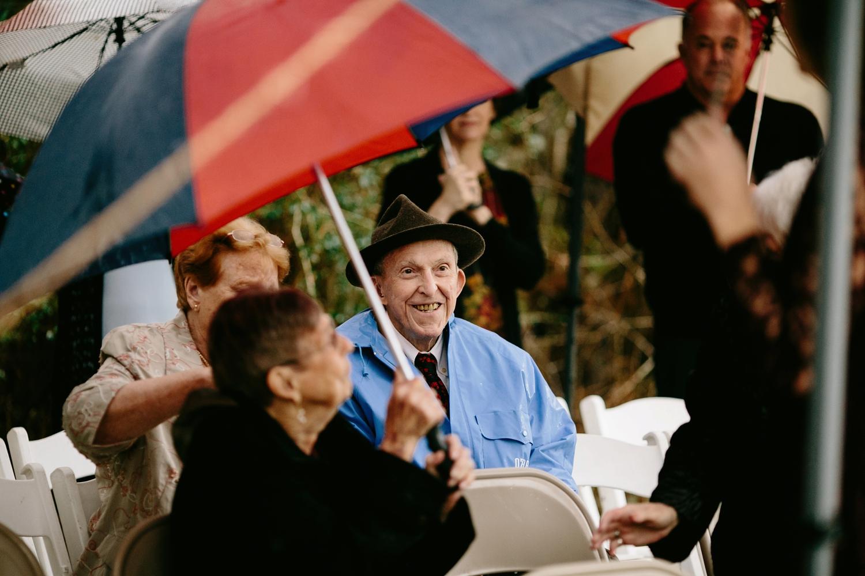 rainy-wedding-pictures-059