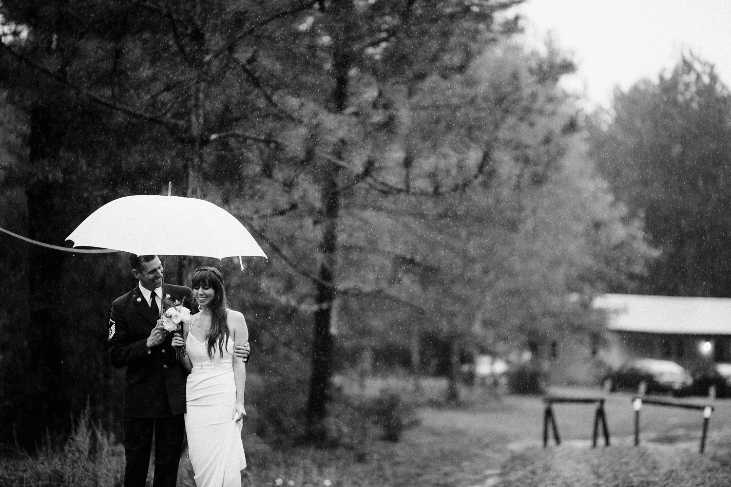 rainy-wedding-pictures-063
