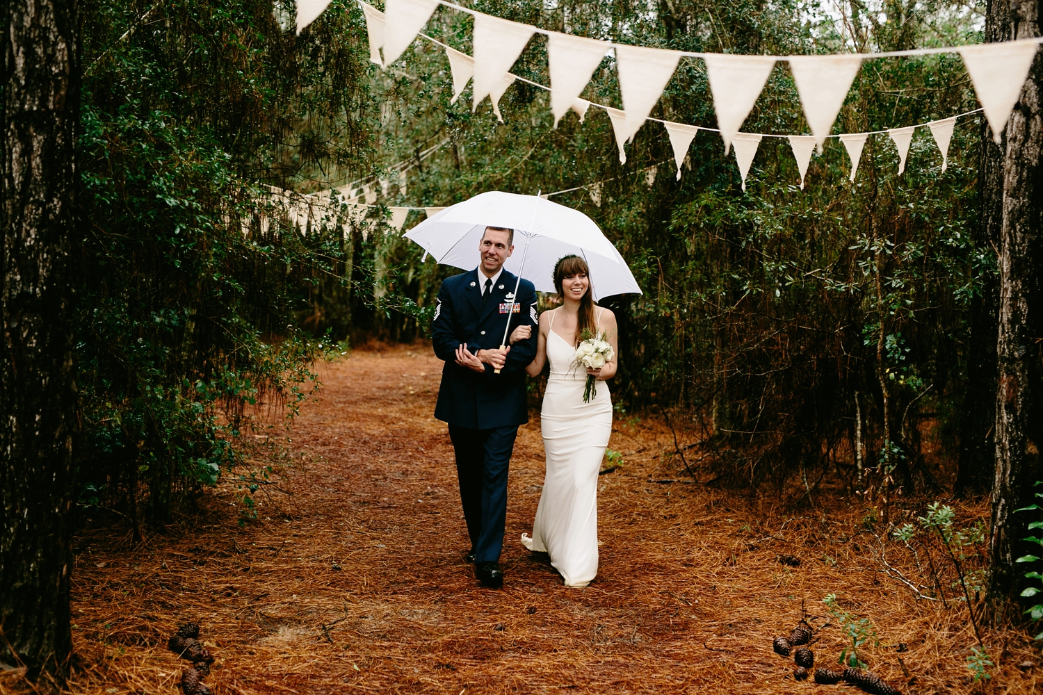 rainy-wedding-pictures-066