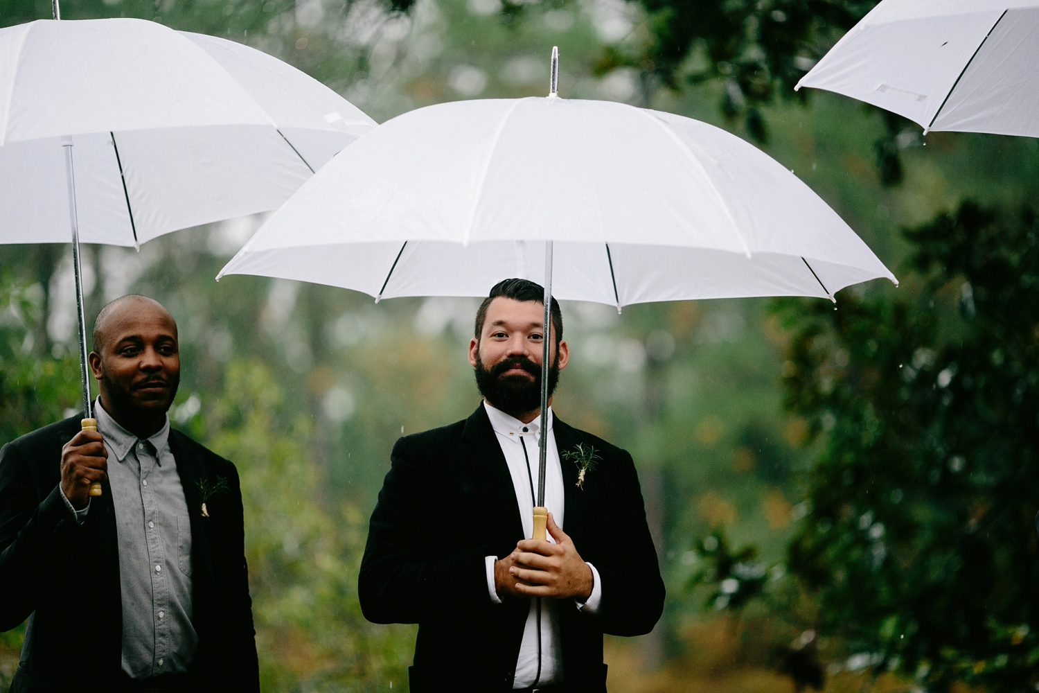 rainy-wedding-pictures-068