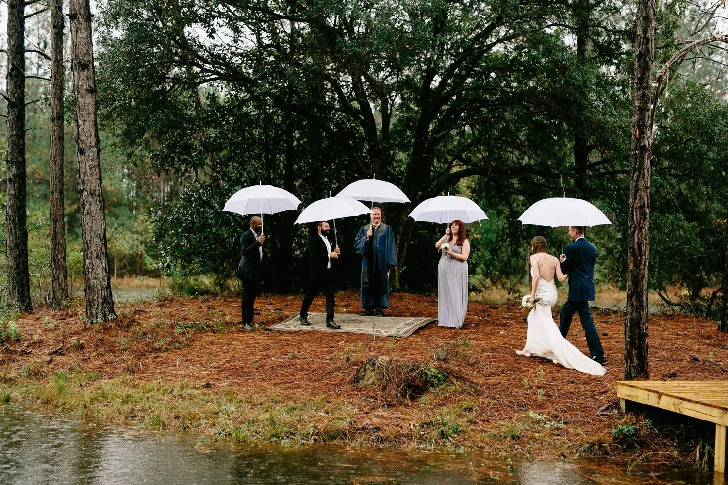 rainy-wedding-pictures-071