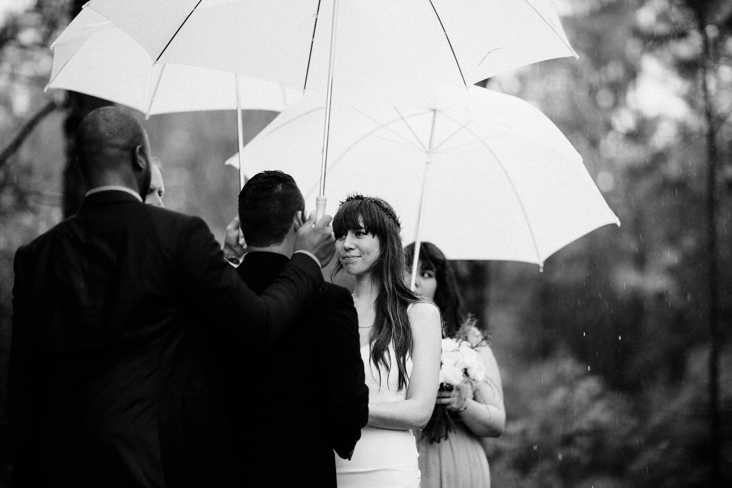 rainy-wedding-pictures-074