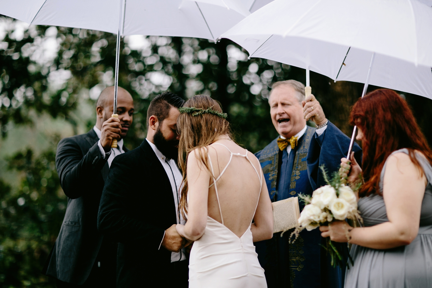 rainy-wedding-pictures-075
