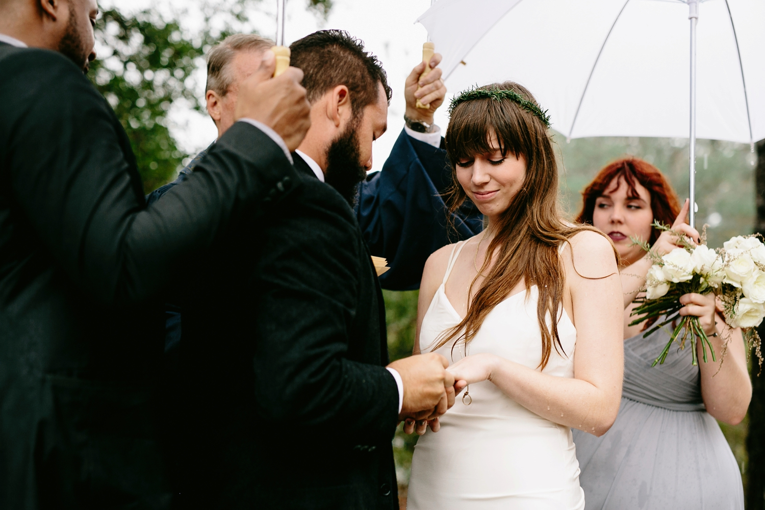 rainy-wedding-pictures-078