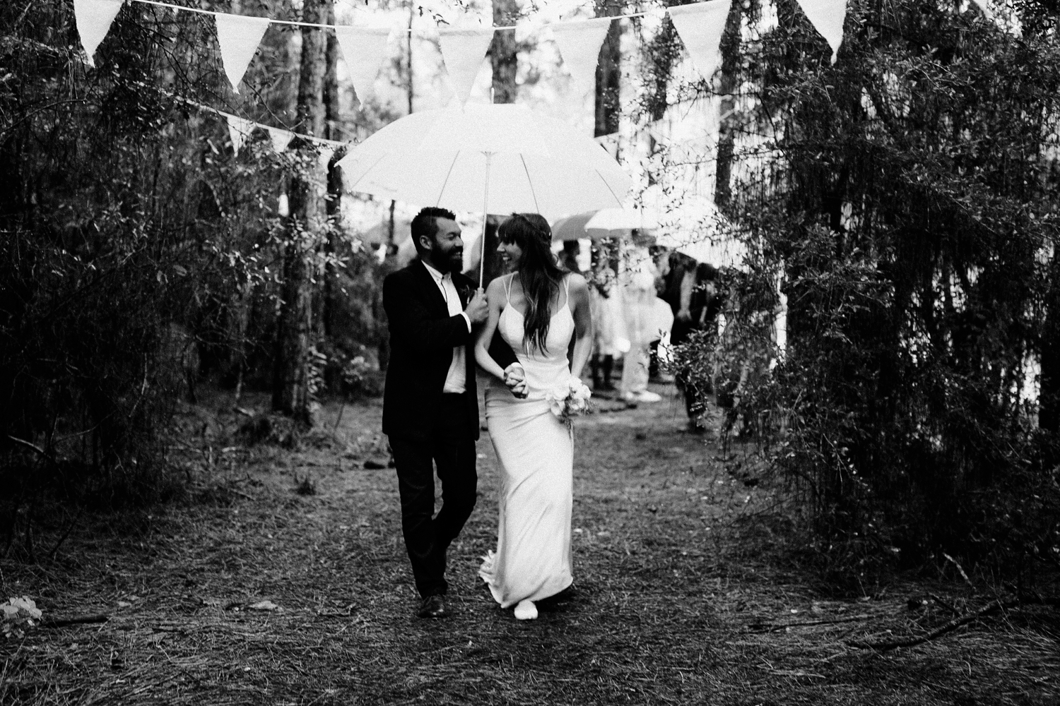 rainy-wedding-pictures-083