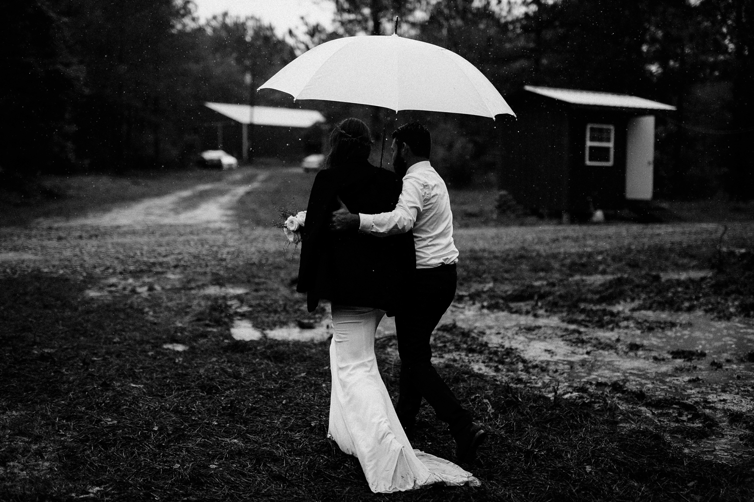 rainy-wedding-pictures-085