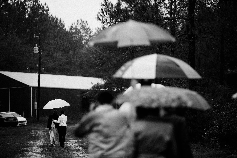 rainy-wedding-pictures-086