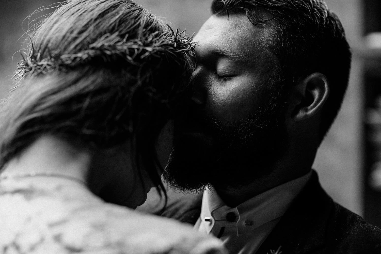 rainy-wedding-pictures-091