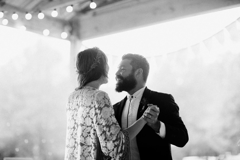 rainy-wedding-pictures-103