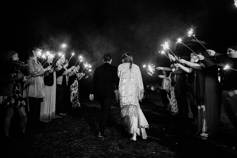 rainy-wedding-pictures-111