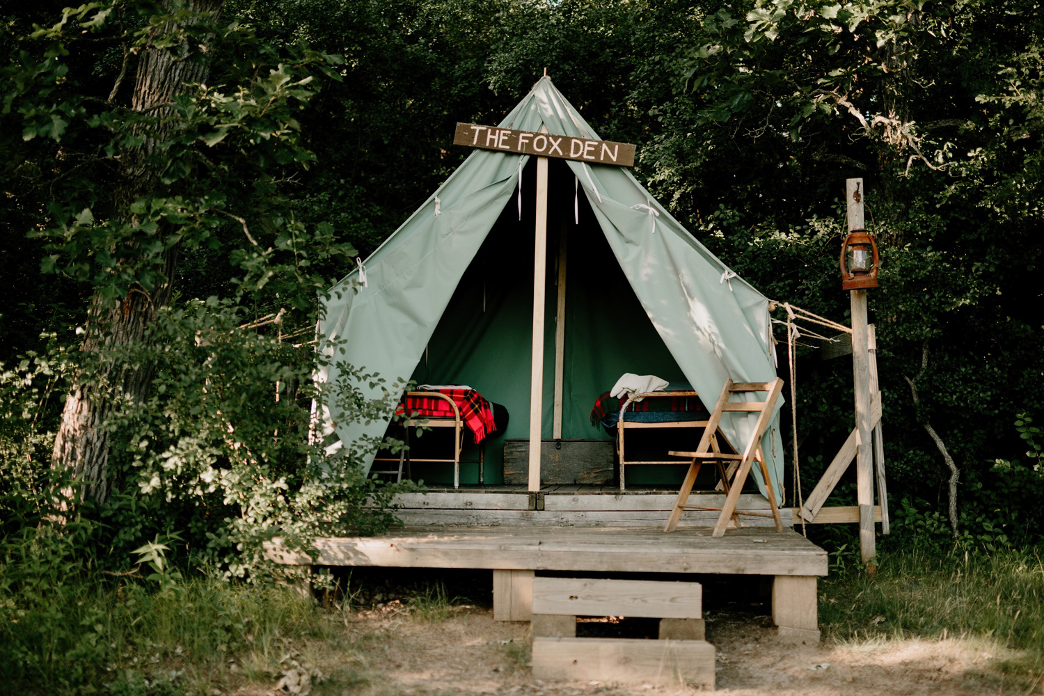 the fox den vintage tent