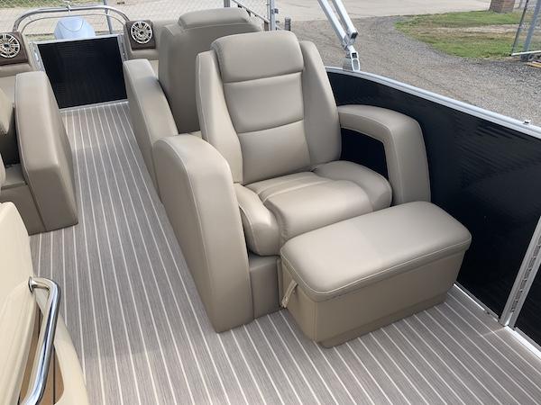 Boat Image 10